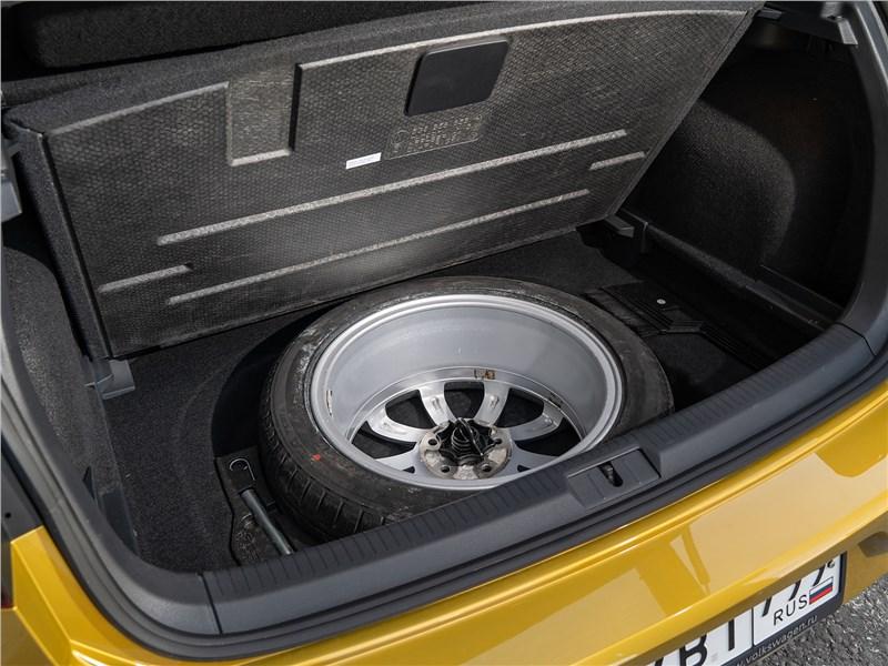 Volkswagen Golf 2017 запасное колесо