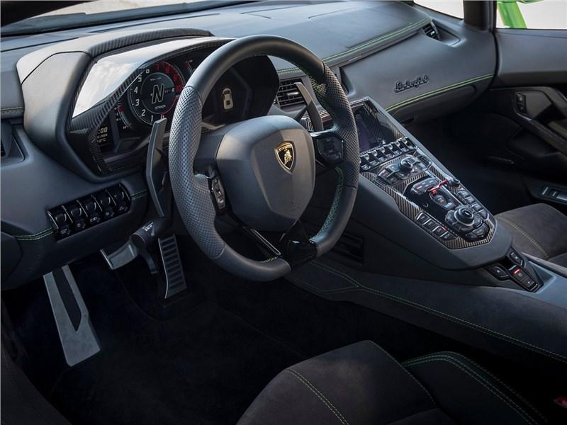 Lamborghini Aventador S 2017 салон