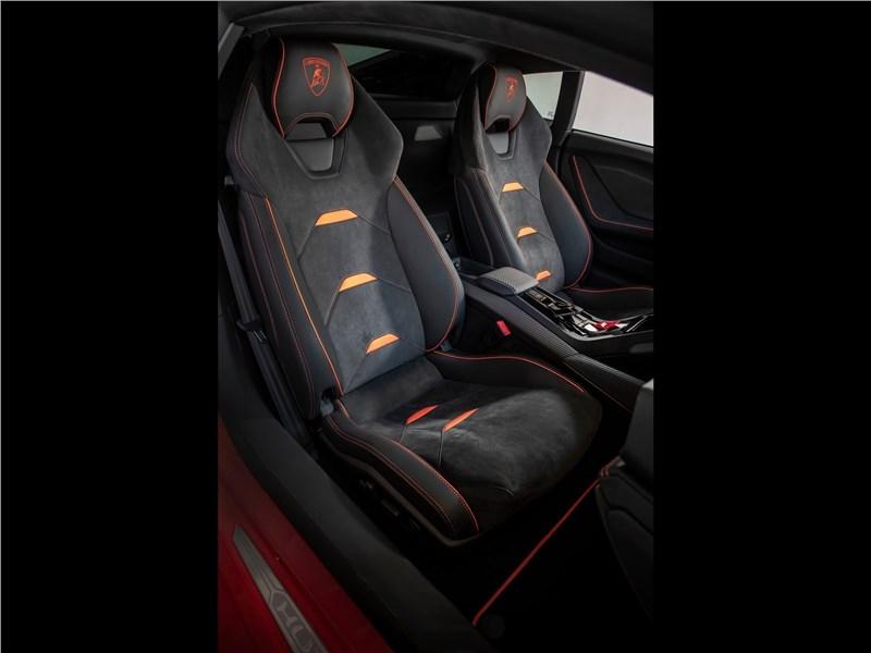 Lamborghini Huracan Evo 2019 кресла