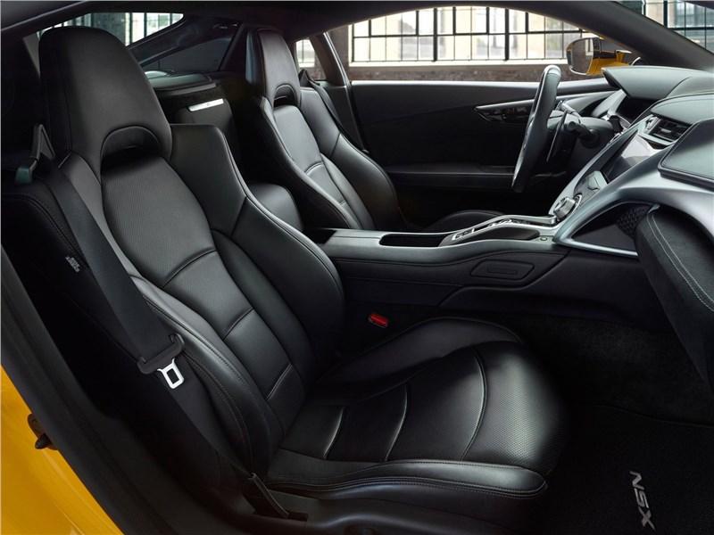 Acura NSX 2020 кресла