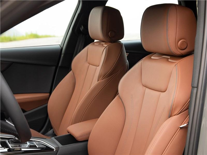 Audi A4 allroad quattro 2020 передние кресла