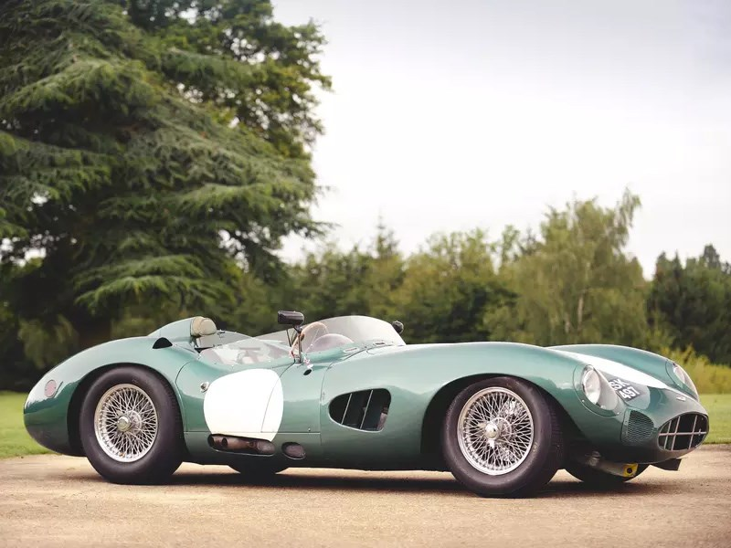 Aston Martin сделает аналог спорт кара прошлого века Фото Авто Коломна