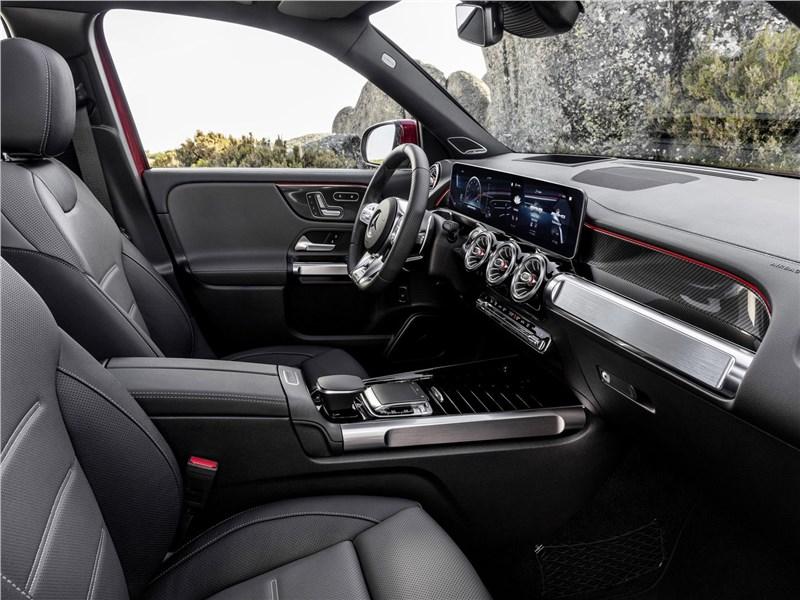 Mercedes-Benz GLB AMG 2020 передние кресла