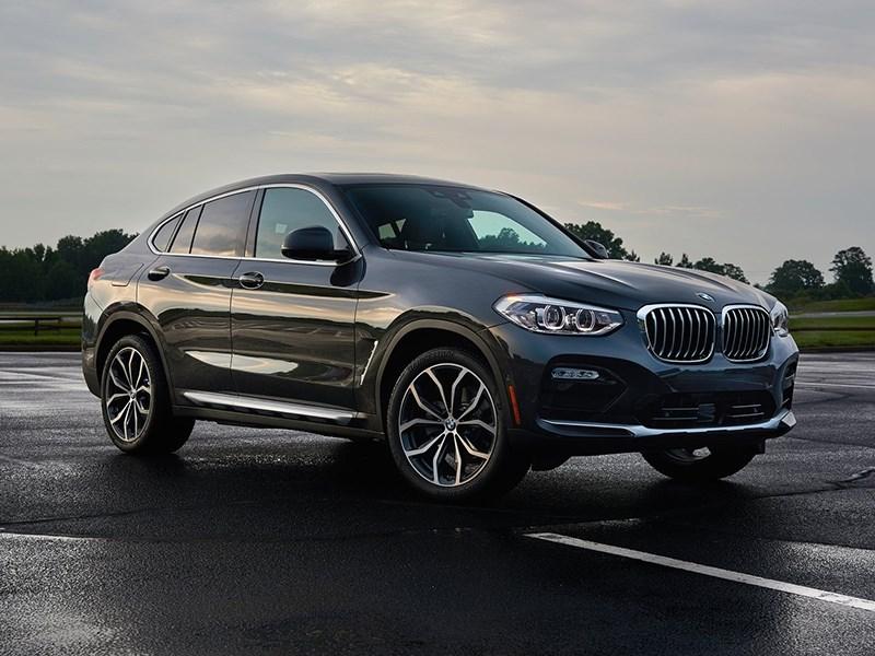 BMW отзовет кроссоверы X3 и X4 в России