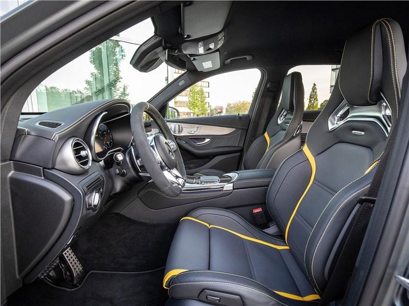 Mercedes-Benz GLC63 S AMG 2020 передние кресла
