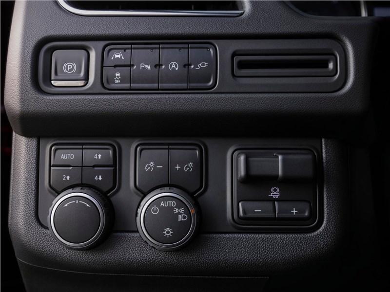 Chevrolet Tahoe 2021 консоль