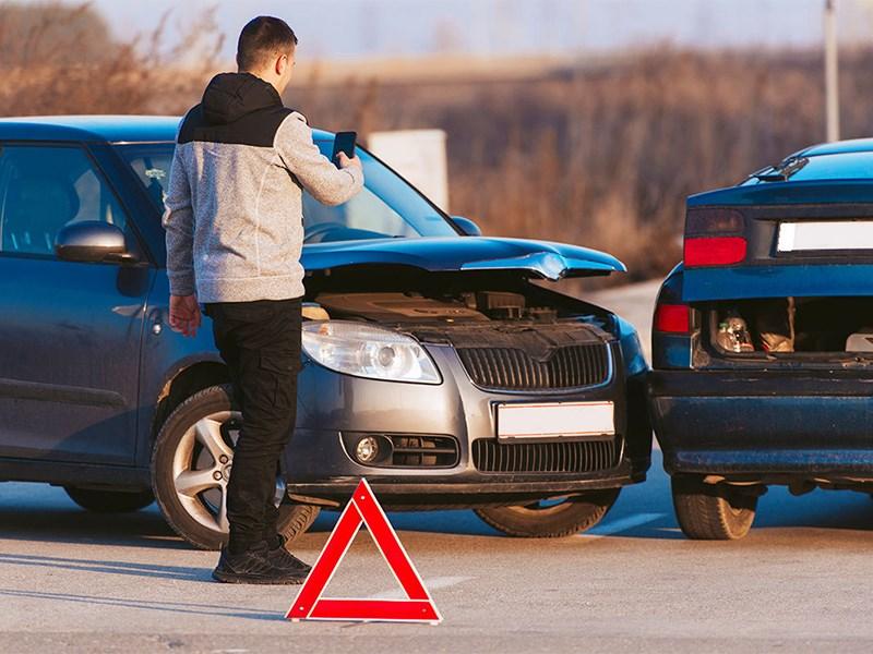 Назван наиболее опасный день для водителей