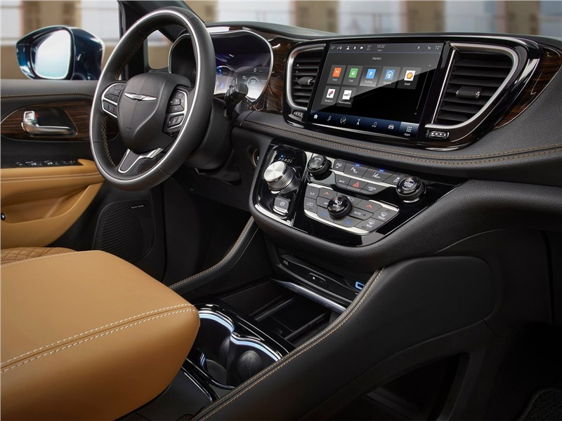 Chrysler Pacifica 2021 салон