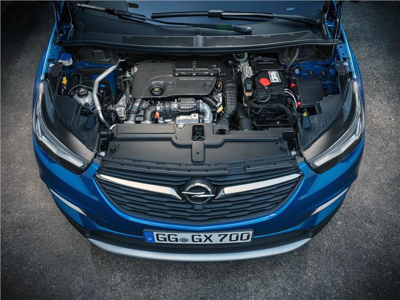 Opel Grandland X 2018 моторный отсек