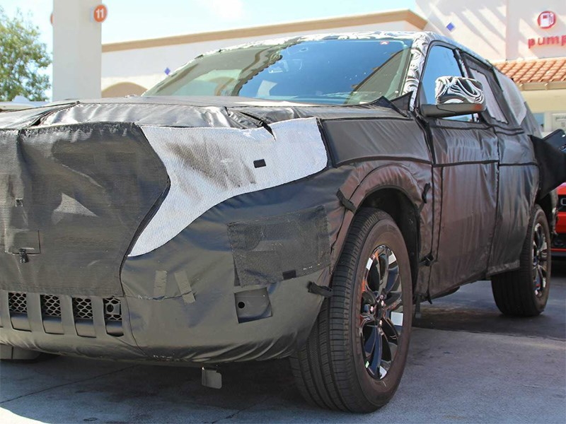 Премьера нового Jeep Grand Cherokee откладывается