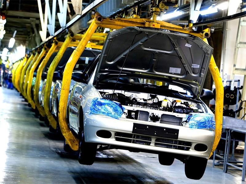Автомобильные компании перезапускают заводы в Европе