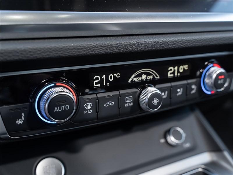 Audi Q3 2019 управление климатом
