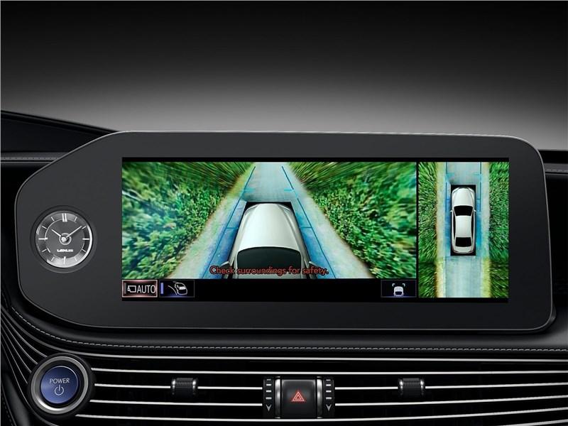 Lexus LS (2021) монитор