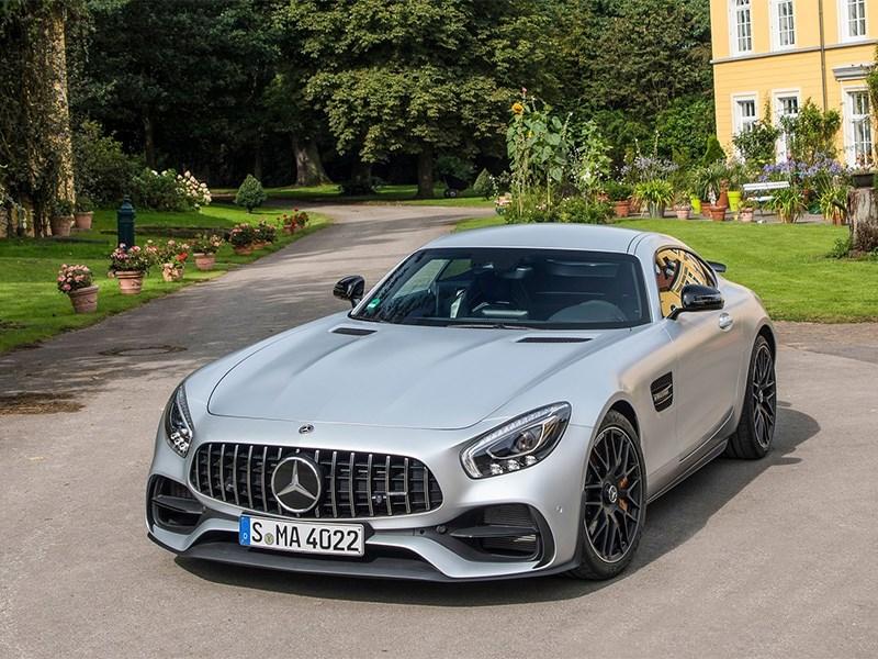 Автомобили Mercedes-Benz отозвали в России из-за проблем с ESP