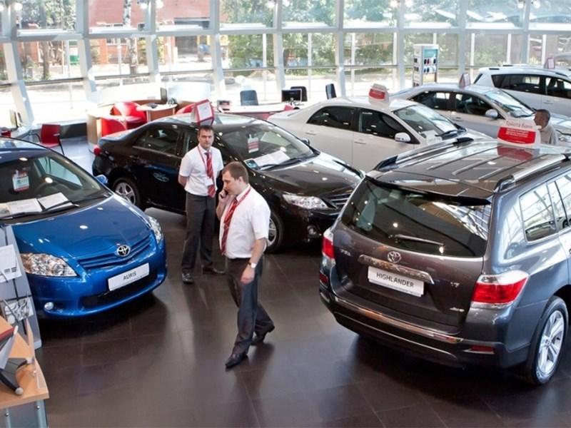 Продажи новых автомобилей в мире растут