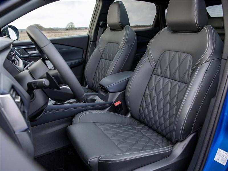 Nissan Qashqai (2022) передние кресла