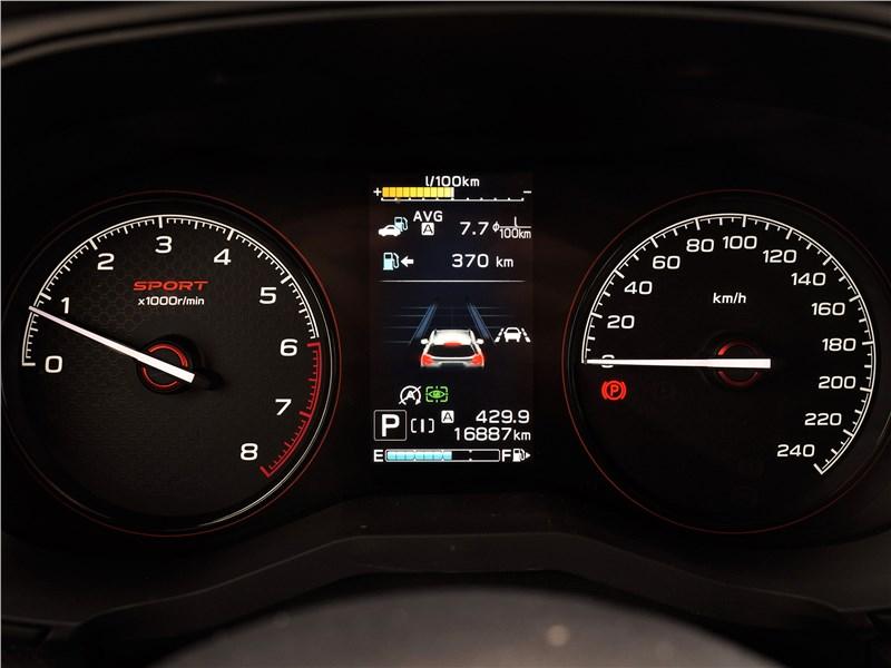 Subaru Forester Sport (2019) приборная панель