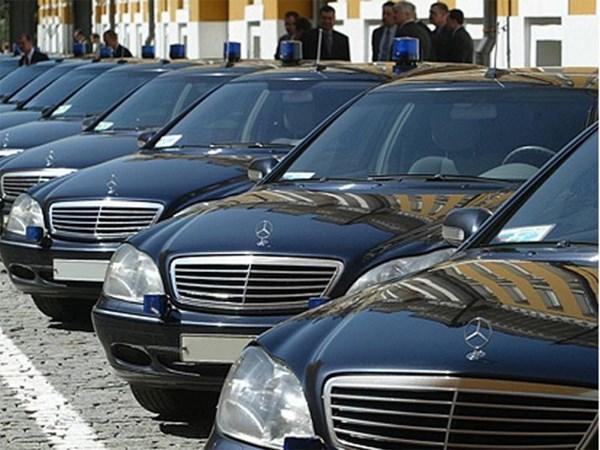 Чиновникам запретят покупать иностранные автомобили за счет казны