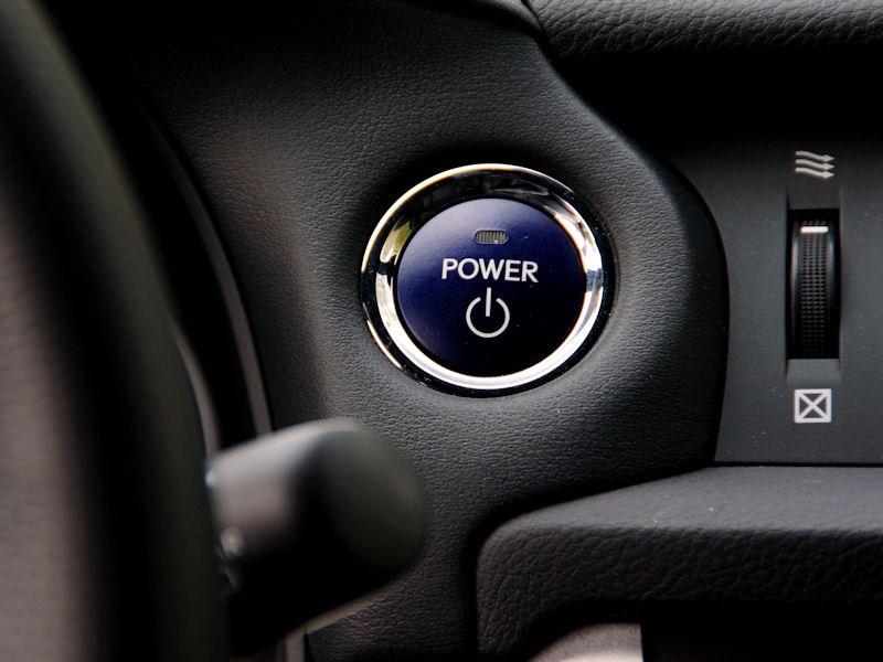 Lexus CT 200h 2011 кнопка запуска двигателя