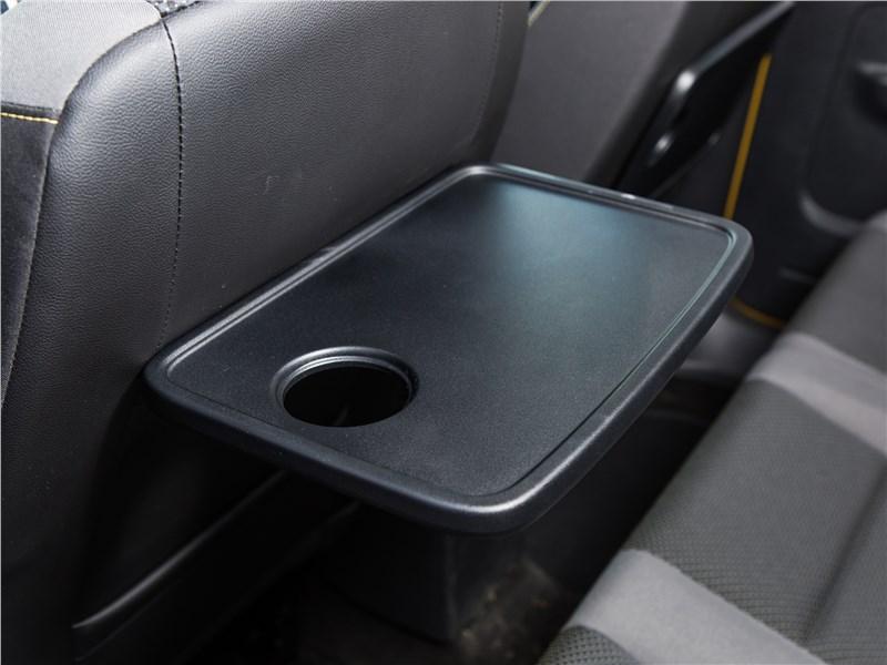 Volkswagen Caddy Family Maxi 2016 второй ряд