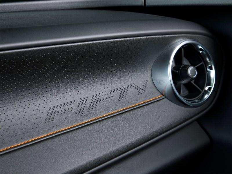 Chevrolet Camaro 2016 отделка интерьера