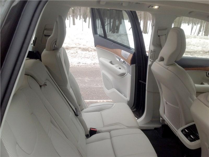 Volvo XC90 2015 задний диван