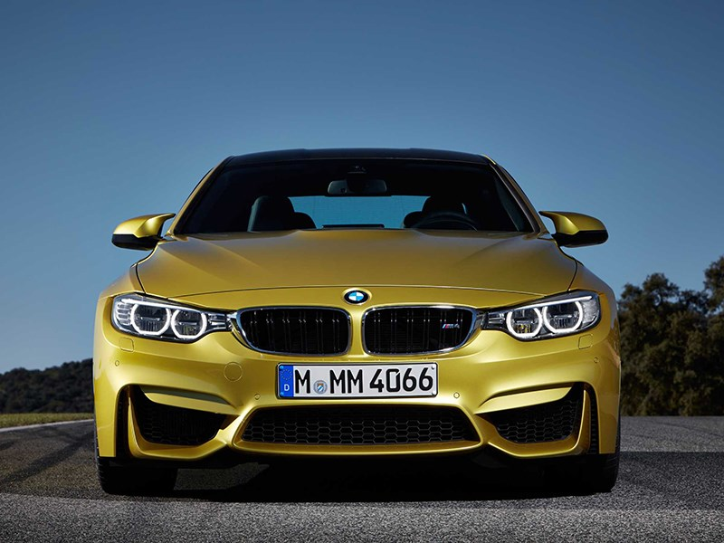 BMW M4 Coupe 2014 вид спереди фото 3