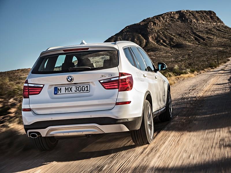BMW X3 2014 вид сзади фото 4