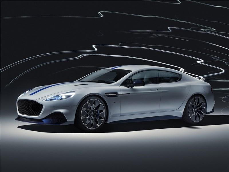 Aston Martin Rapide E 2020 вид спереди