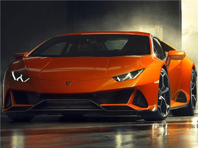 Lamborghini Huracan Evo 2019 вид спереди