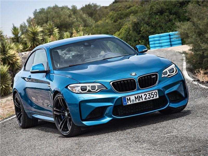 BMW M2 Coupe 2016 вид спереди
