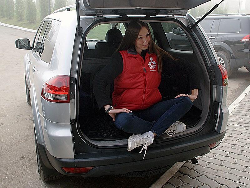 Mitsubishi Pajero Sport 2013 багажник
