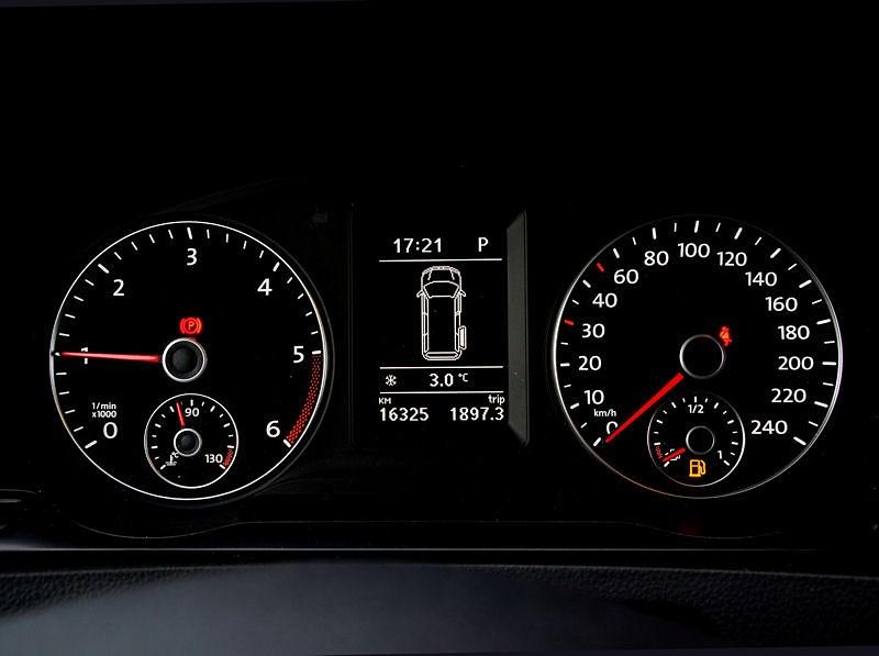 Volkswagen Caravelle приборная панель