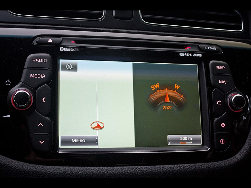 Kia Pro cee'd 2013 3 дв. центральная консоль 3