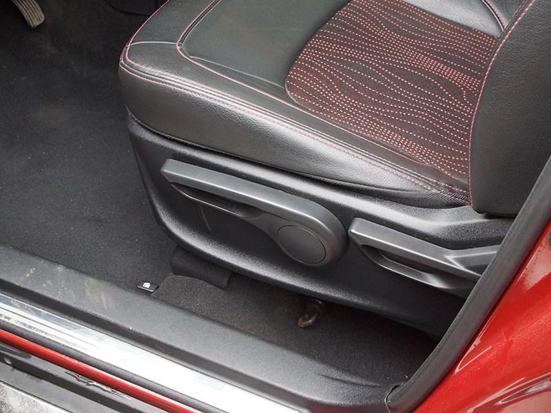 Great Wall Hover M4 2012 водительское кресло