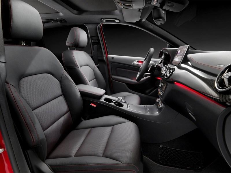 Mercedes-Benz B-Klasse 2015 передние кресла
