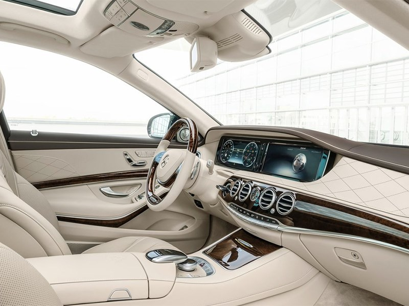 Mercedes-Maybach S 600 2015 водительское место фото 2