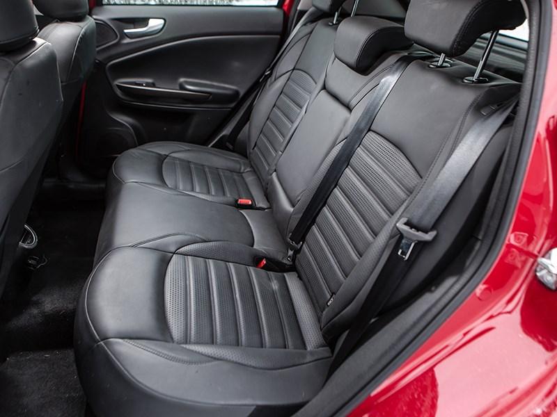 Alfa Romeo Giulietta 2014 задний диван