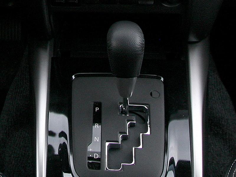 Mitsubishi L200 2015 5АКПП