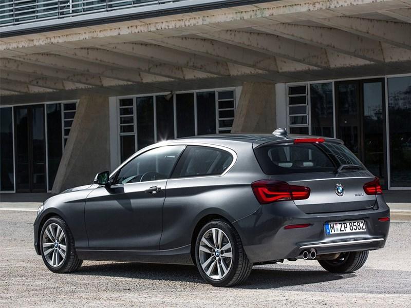 BMW 1-Series 3-doors 2016 вид сзади