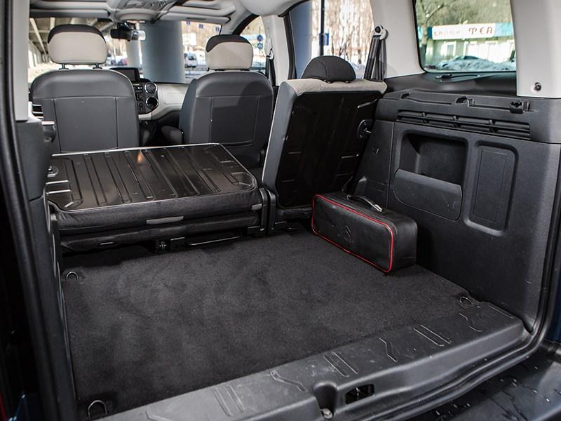 Citroen Berlingo 2009 багажное отделение