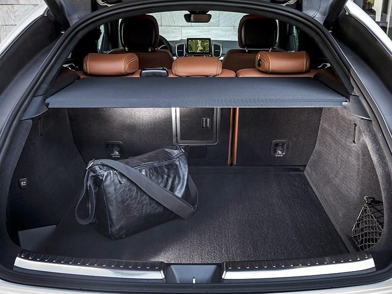 Mercedes-Benz GLE Coupe 2016 багажное отделение