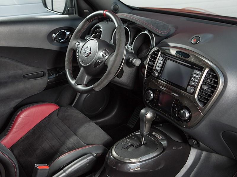 Nissan Juke Nismo RS 2015 салон