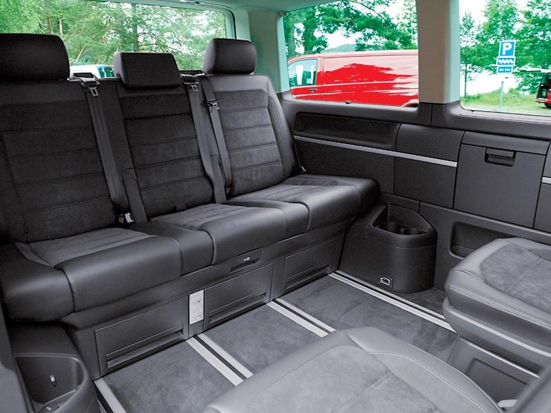 Volkswagen Multivan 2015 задний диван