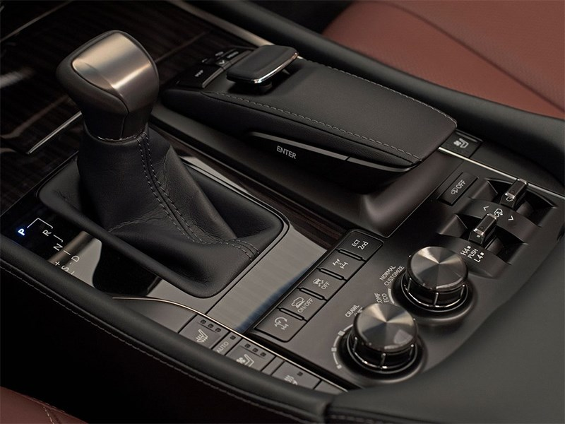 Lexus LX 2016 АКПП