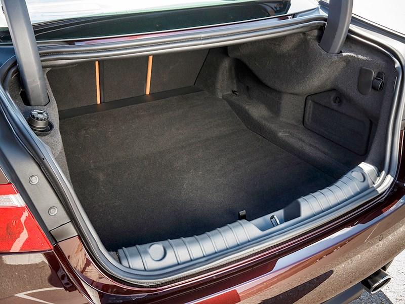 Jaguar XF 2016 багажное отделение