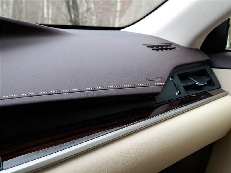 Lexus ES 200 2016 отделка салона