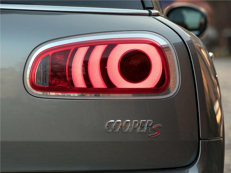 Mini Clubman Cooper S 2016 задний фонарь