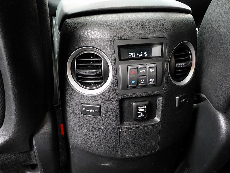 Honda Pilot 2012 управление климатом второго ряда