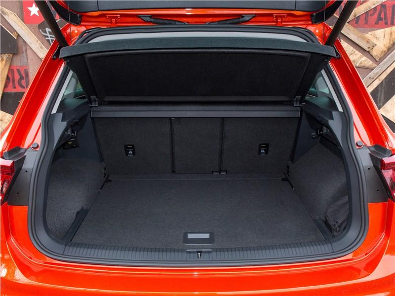 Volkswagen Tiguan 2017 багажное отделение